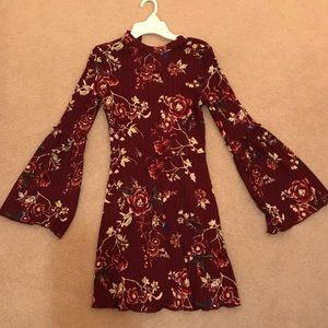 Short long sleeve casual dress